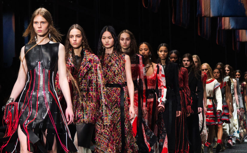 Alexander McQueen – značka originality a extravagancie